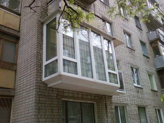 Остекление выносного балкона от пола до потолка