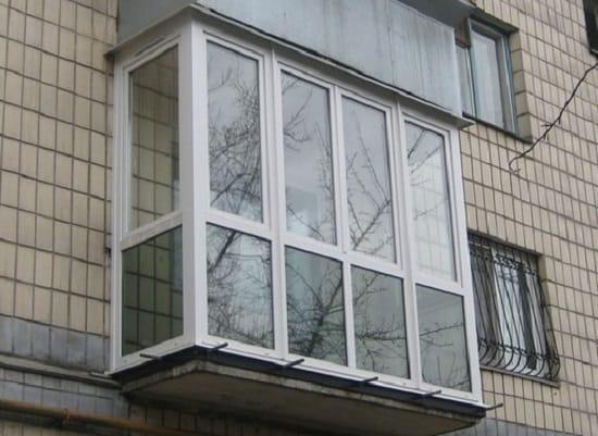 Французское остекление обычного балкона