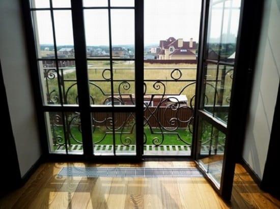 Вид французского балкона внутри
