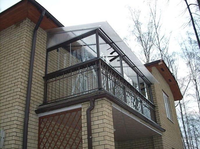 Зависимый тип крыши на балконе