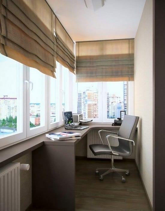 Хорошее решение для узкого кабинета на балконе