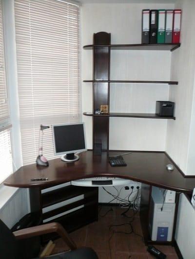 Вот так можно превратить балкон в кабинет