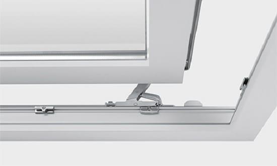 Механизм раздвижных дверей на балкон