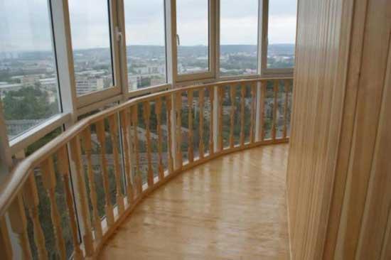 Отделка балкона с французским остеклением вагонкой