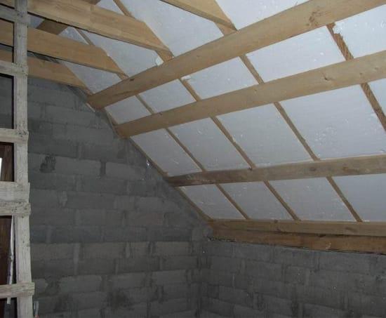 Утепление крыши мансарды пенопластом