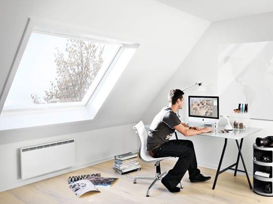 Эргономичная мебель для кабинета на мансарде