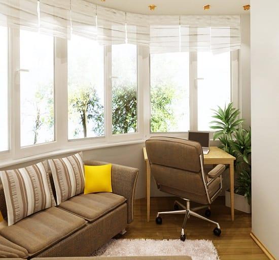 Совмещение кабинета и места для отдыха на лоджии