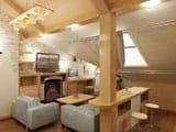 Дизайн гостиной на мансарде