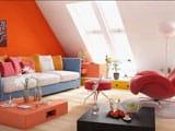 Интерьер мансарды в ярких красках