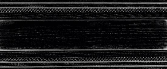 Окрашенный деревянный плинтус