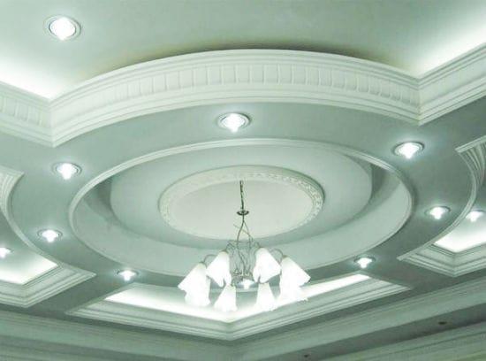 Гибкий полиуретановый плинтус для потолка