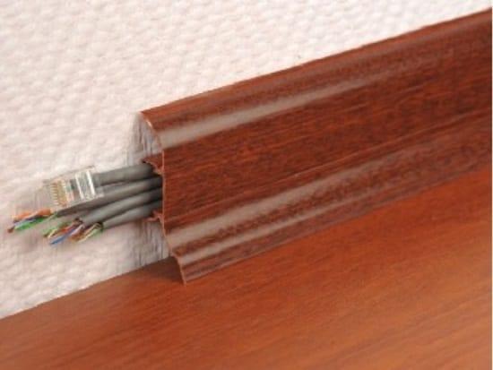 Напольный плинтус с кабель каналом