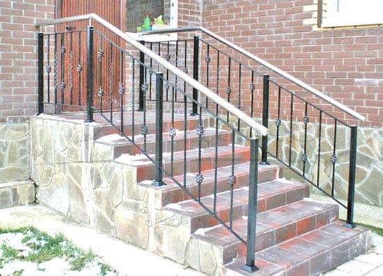 Бетонная лестница крыльца