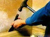 Демонтаж потолочного плинтуса и напольного своими руками