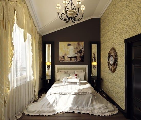Комбинирование золотых и коричневых обоев в дизайне спальни