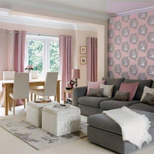 Комбинирование розового и бежевого цвета обоев в комнате