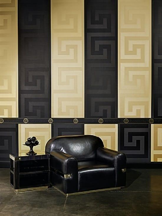 Золотисто-черные обои с геометрическим рисунком