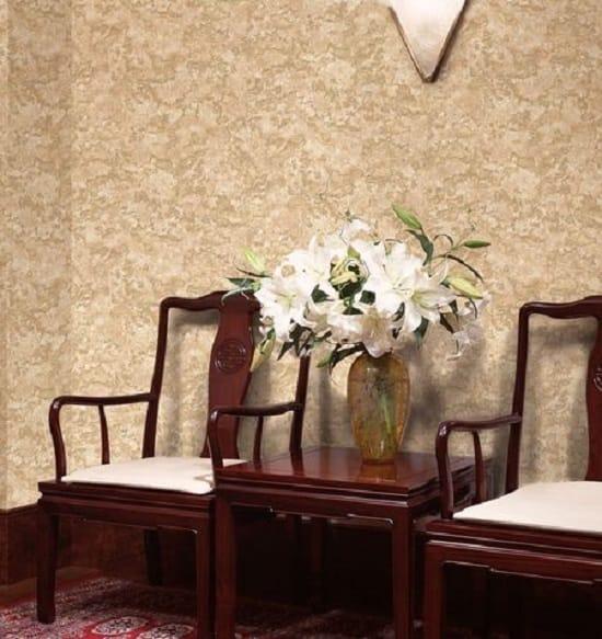 Рельефные обои в интерьере комнаты