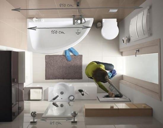 Установка угловой ванны в санузле