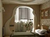 Выход на балкон в виде арки
