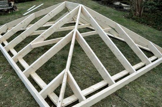 Стропильная система крыши каменной беседки