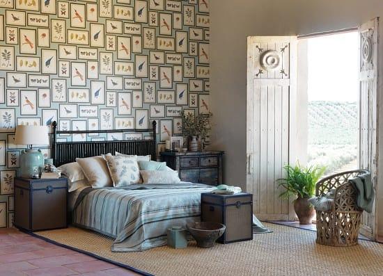 Оригинальные дизайнерские обои по эскизам рисунков в спальне
