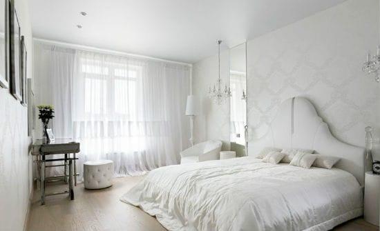 Белый цвет в отделке и меблировке спальни