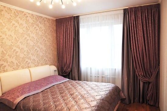 Плотные тройные шторы для спальни с окнами на солнечную сторону