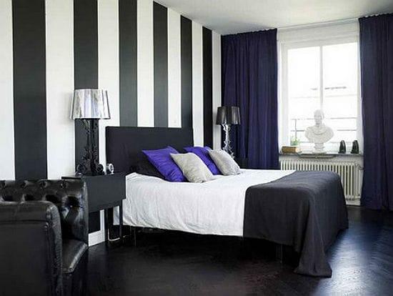 Строгий стиль спальни в бело-черной гамме отделки
