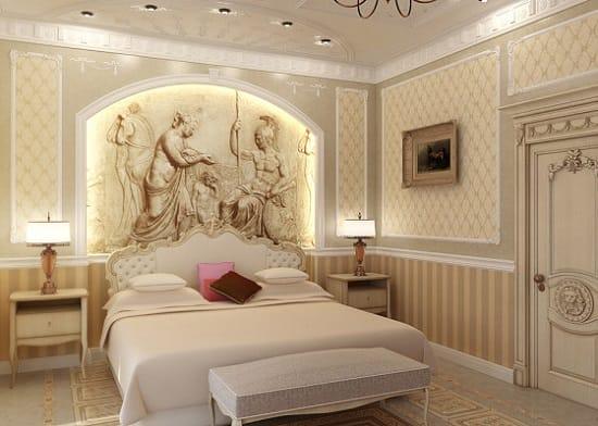 Отделка маленькой классической спальни в бежево-серых тонах