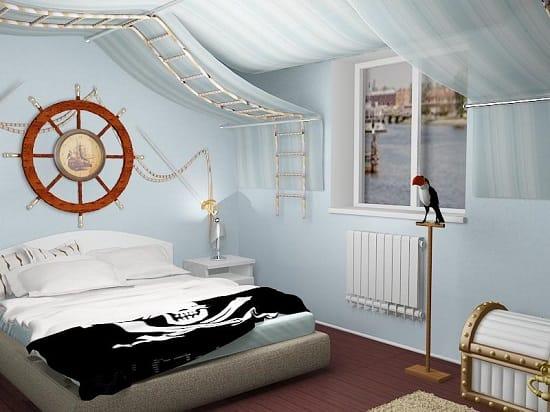 Спальня в морском стиле с декоративными штурвалом и сундуком с в интерьере