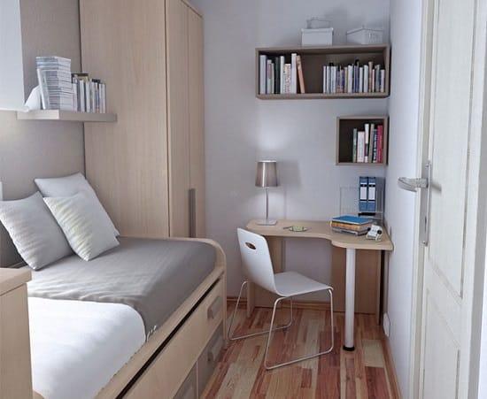 Рабочее место с угловым столом в маленькой спальне