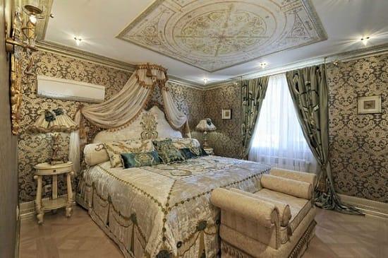 Массивная мебель в стиле барокко для спальни