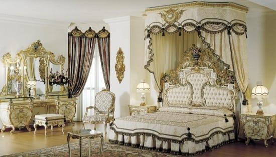 Белая с позолотой мебель в классическом французском стиле для спальни