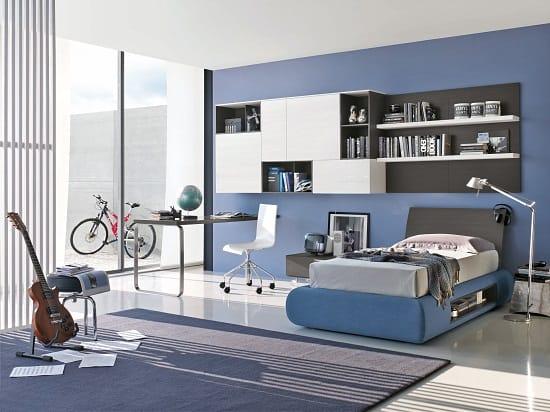 Современная спальня мальчика с мебелью в стиле хай тек