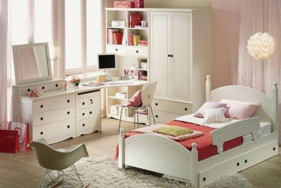 Универсальная спальня для подростка в белом цвете