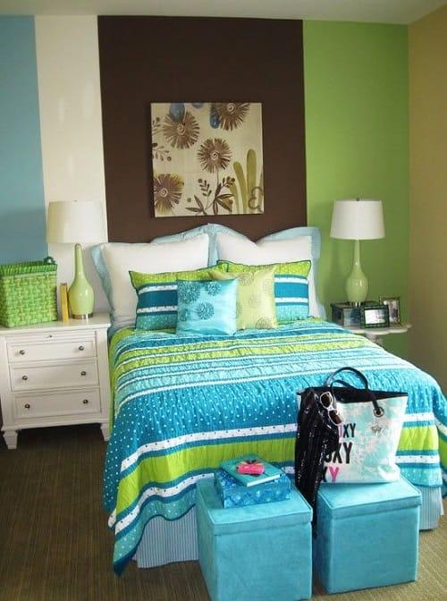 Использование бирюзово-зеленых и шоколадных оттенков в оформлении интерьера спальни девочки