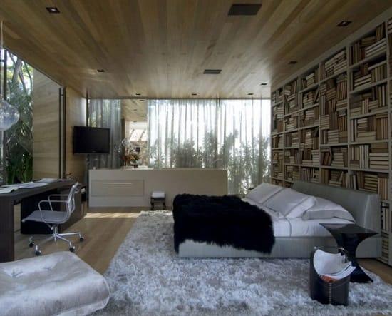 Отделка деревянными панелями потолка спальни
