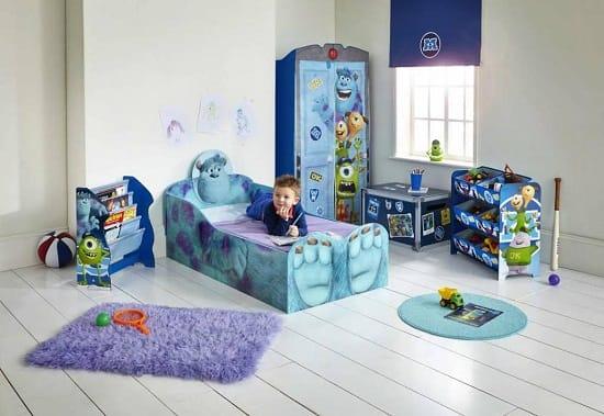 Мебель «Дисней» обтекаемой формы в спальне мальчика