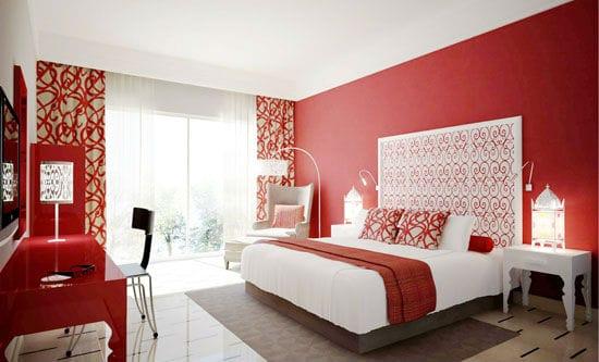 Красивое ажурное изголовья для кровати в декорировании спальни