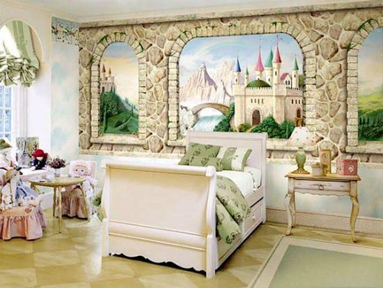 Отделка камнем и художественной росписью стен спальни