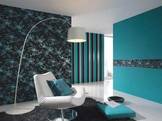 Красивые комбинированные обои в черно-бирюзовой гамме в отделке спальни