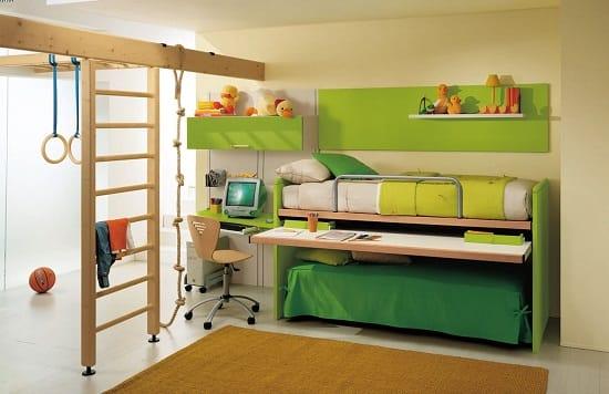 Установка спортивного комплекса в спальне для мальчиков