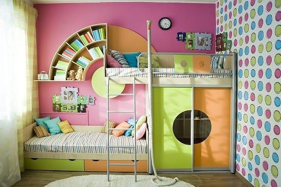 Компактная модульная мебель в дизайне небольшой спальни для девочек