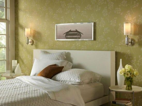 Настенные бра над изголовьем кровати в освещении спальни
