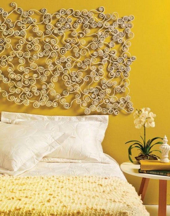 Идея для создания декоративного панно из бумаги в спальню