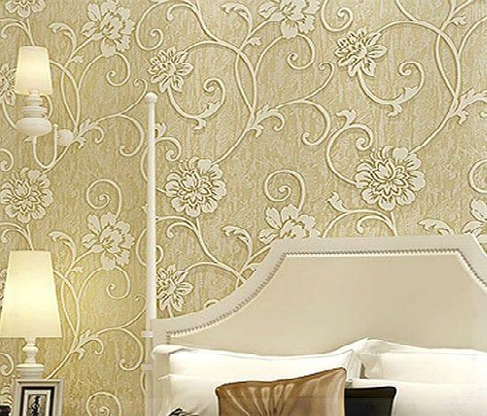 Идея для оформления стен спальни обоями с тиснением