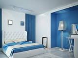 Использование белого и голубого цвета в оформлении интерьера спальни