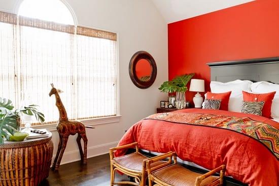 Контрастный дизайн красно-белой спальни в африканском стиле