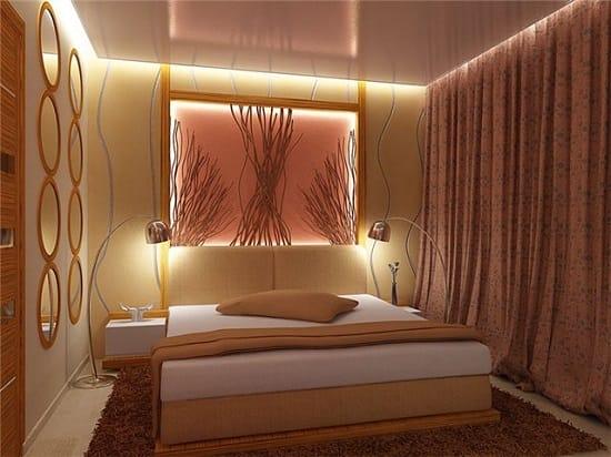 Декорирование стены малогабаритной спальни нишей с подсветкой